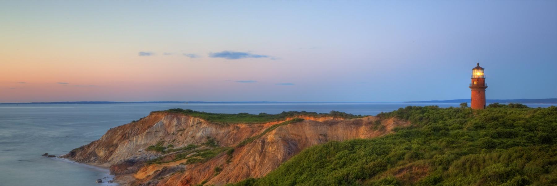 lighthouse-on-cliff.jpg